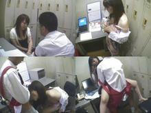 コンビニで万引した女達が捕まり密室で謝罪しながら店長にハメられる。